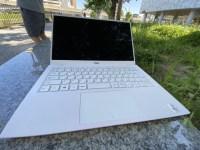 白いキーボードだと汚れが心配だったけど全く問題ない。今ではお気に入りに