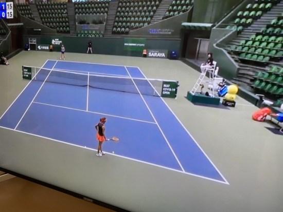 テニスのテレビ画像