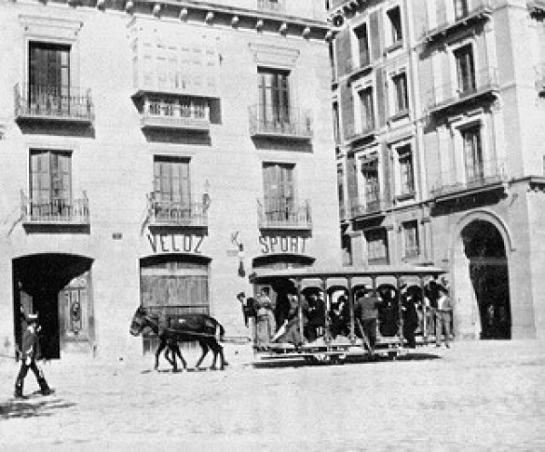 1-Jardinera veloz en Independencia ca. 1890 _ La imagen se cor… _ Flickr_files