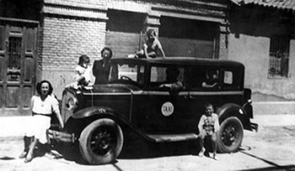 1932-Primer taxi taxímetro