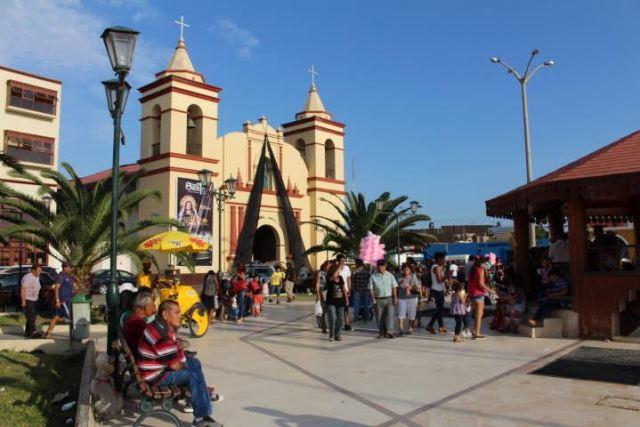 Plaza de Armas de Moche