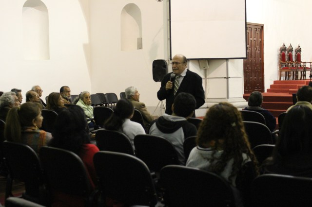 Auditorio César Vallejo UNT