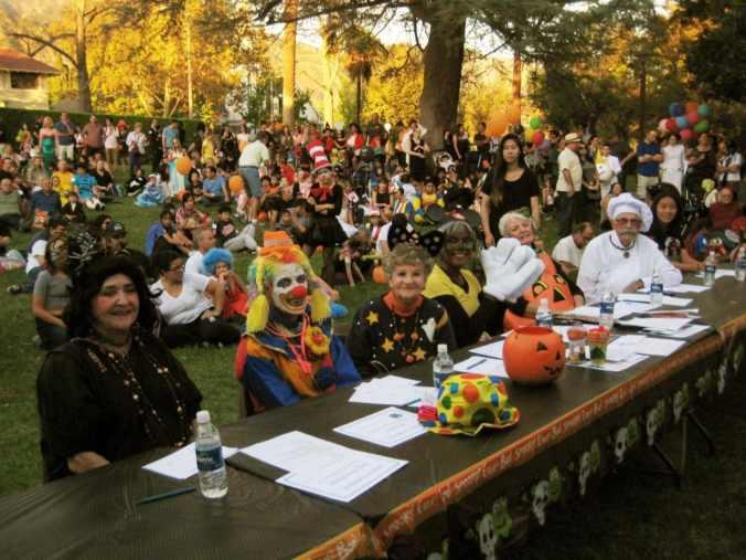 Left to right: SM Pioneer Sally Hawks (Judy Webb-Martin) Nice Clown (Joy Barry) Teeny Bopper (Shirley Anhalt) Grandma Mouse (Susan Henderson) The Little Pumpkin (Jacqui Pergola and Key Clubber Elizabeth Wang)