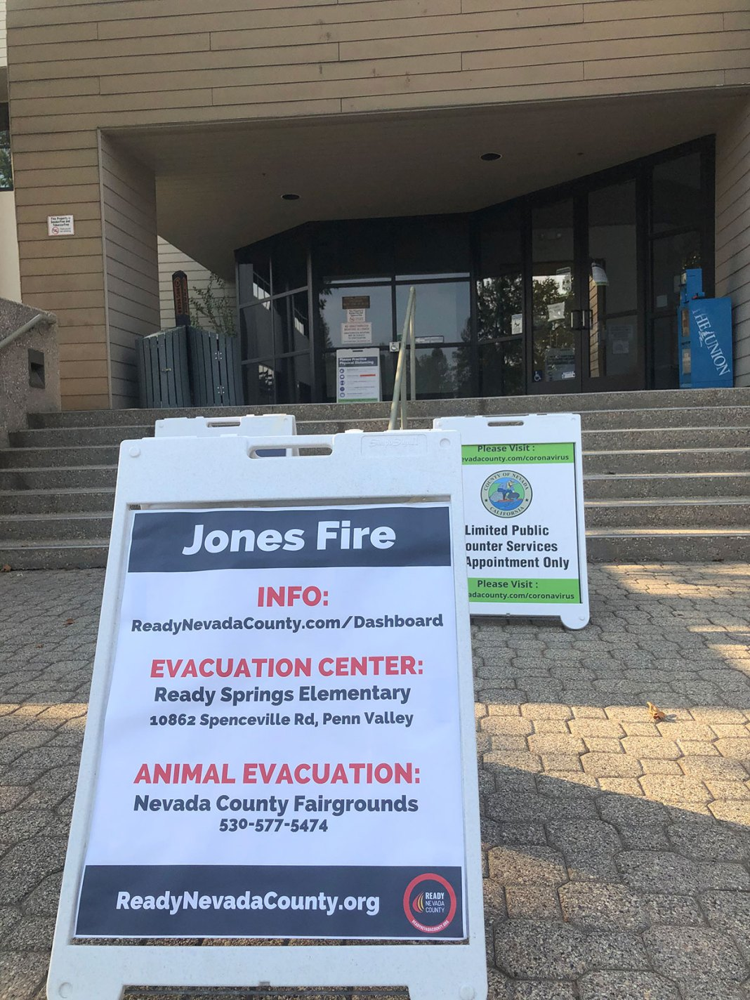 Nevada City And Grass Valley Ca Mobilize In Response To The Jones Fire The Sierra Nevada Ally