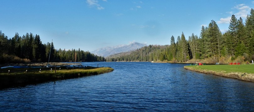 Hume Lake by Alexander Migl wiki CC