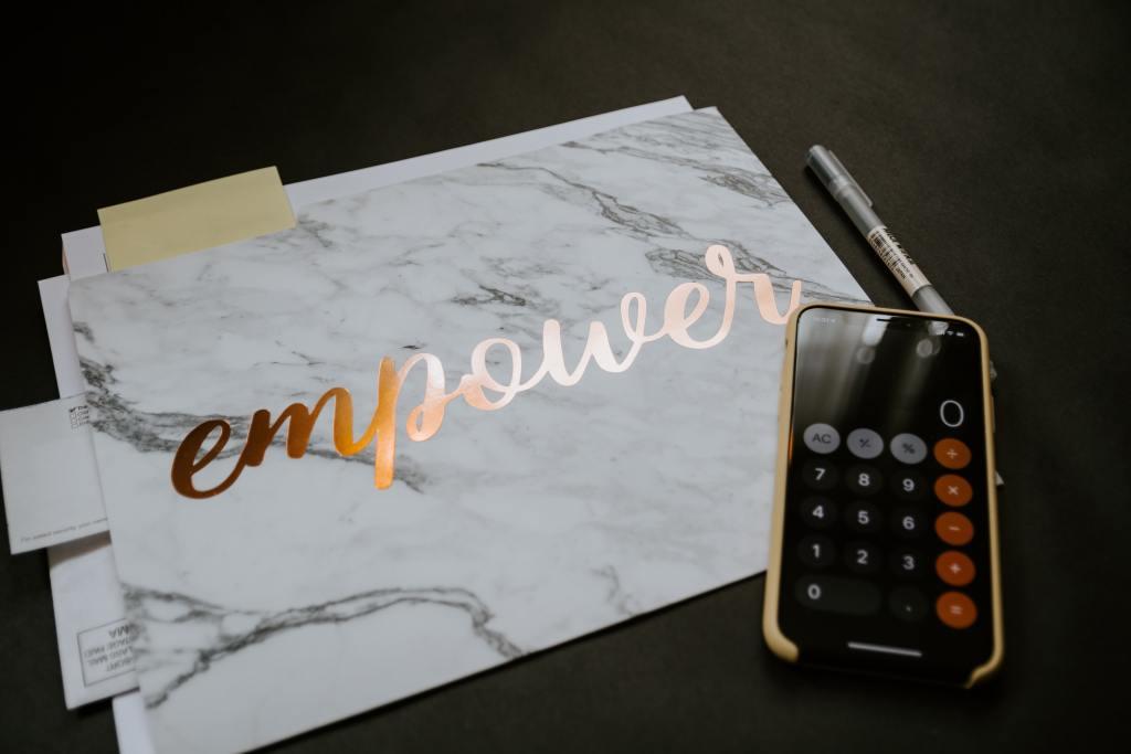 no spend challenge empower women folder calculator iPhone