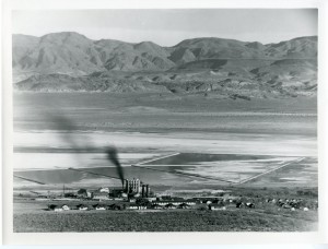 The California Alkali plant, next to Cartego, about 1925. Eastern California Museum photo.