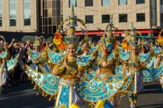 Главное шествие карнавала на Тенерифе в 2016 году — костюмы в индийском стиле
