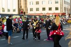 Главное шествие карнавала на Тенерифе в 2016 году — Майкл Джексон с охраной