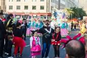 Главное шествие карнавала на Тенерифе в 2016 году — участник в костюме волка