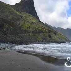 Общий вид пляжа Роке де Лас Бодегас