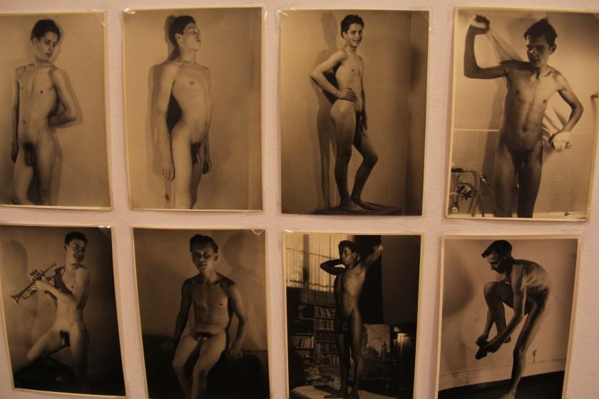 Detalle de algunas de las fotografías anónimas de desnudo que atesora Alexis W