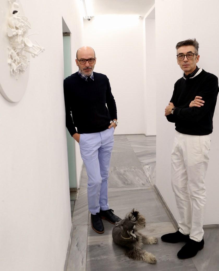 Jose Martínez Calvo y Luis Valverde, propietarios de la galeria de arte Espacio Mínimo (Fotos: Ernesto Agudo)