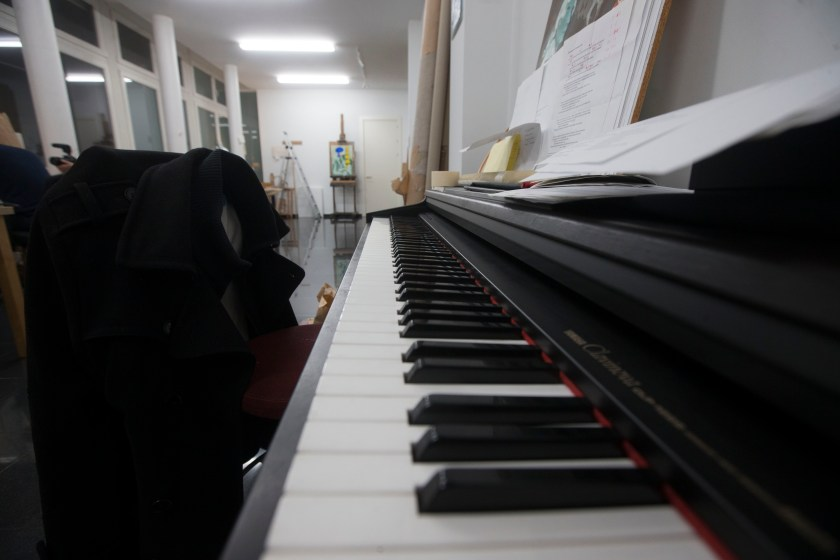 El piano, elemento fundamental en el estudio de Vasallo