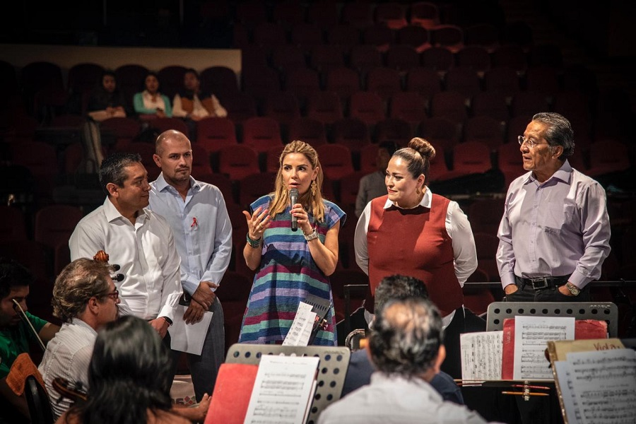 Entrega Seculta Trajes Y Vestidos A La Orquesta Sinfónica De