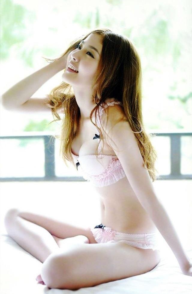 gai xinh bikini