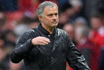 M.U có nên cho Mourinho thêm cơ hội?