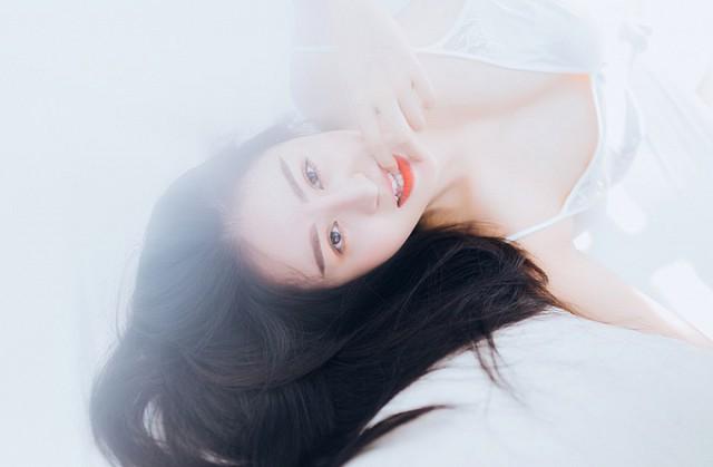bong-mat-vi-bo-anh-day-khieu-khich-cua-hot-girl-huyen-anh (9)