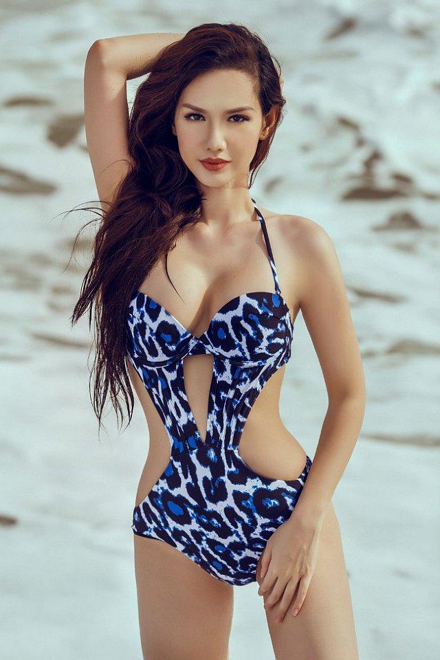 nong-bong-mat-vi-mai-ngam-quynh-chi-voi-bikini (6)