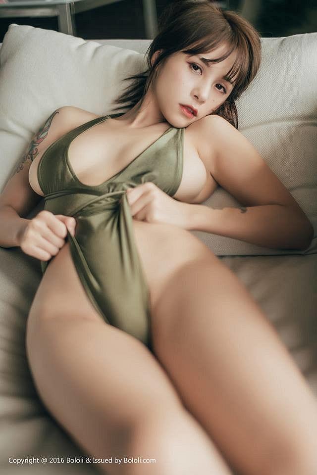 chet-sung-vi-Xia-Mei-Jiang-khoe-buoi-sieu-mong (9)