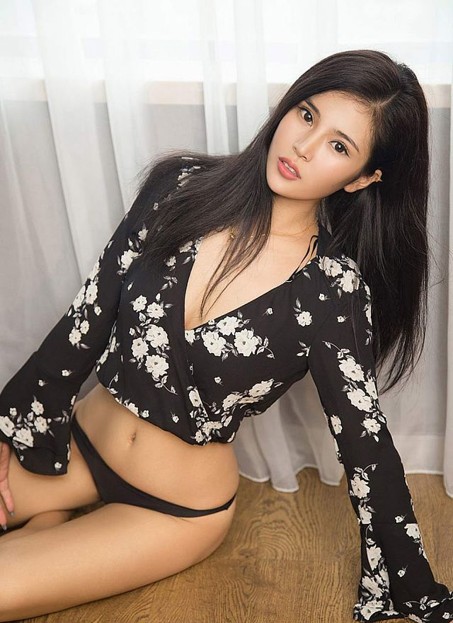 da-mat-voi-loat-anh-bikini-goi-tinh-cua-co-mau-shi-hua (2)
