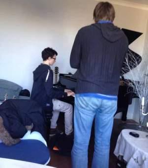 Pierre joue Chopin à Peter