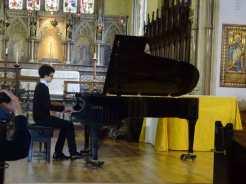 Pierre jouant le deuxième impromptu de Chopin