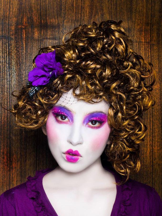 "Hunger Games' ""Effie Trinket"" inspired makeup and hair"