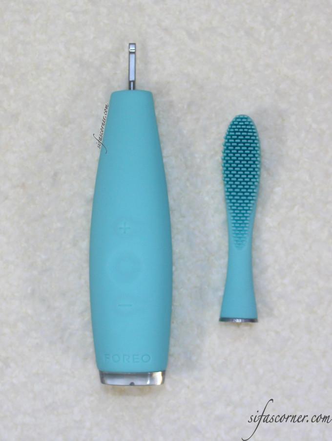 Detachable brush head