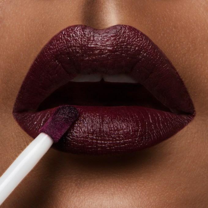 occ lip tar rtw black dahlia