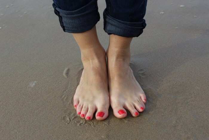 7-steps-to-follow-for-proper-foot-care-at-home