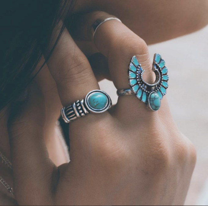 5 Essentials to Look CuteWhile HavingFun under the Sun-inspired silver jewelry