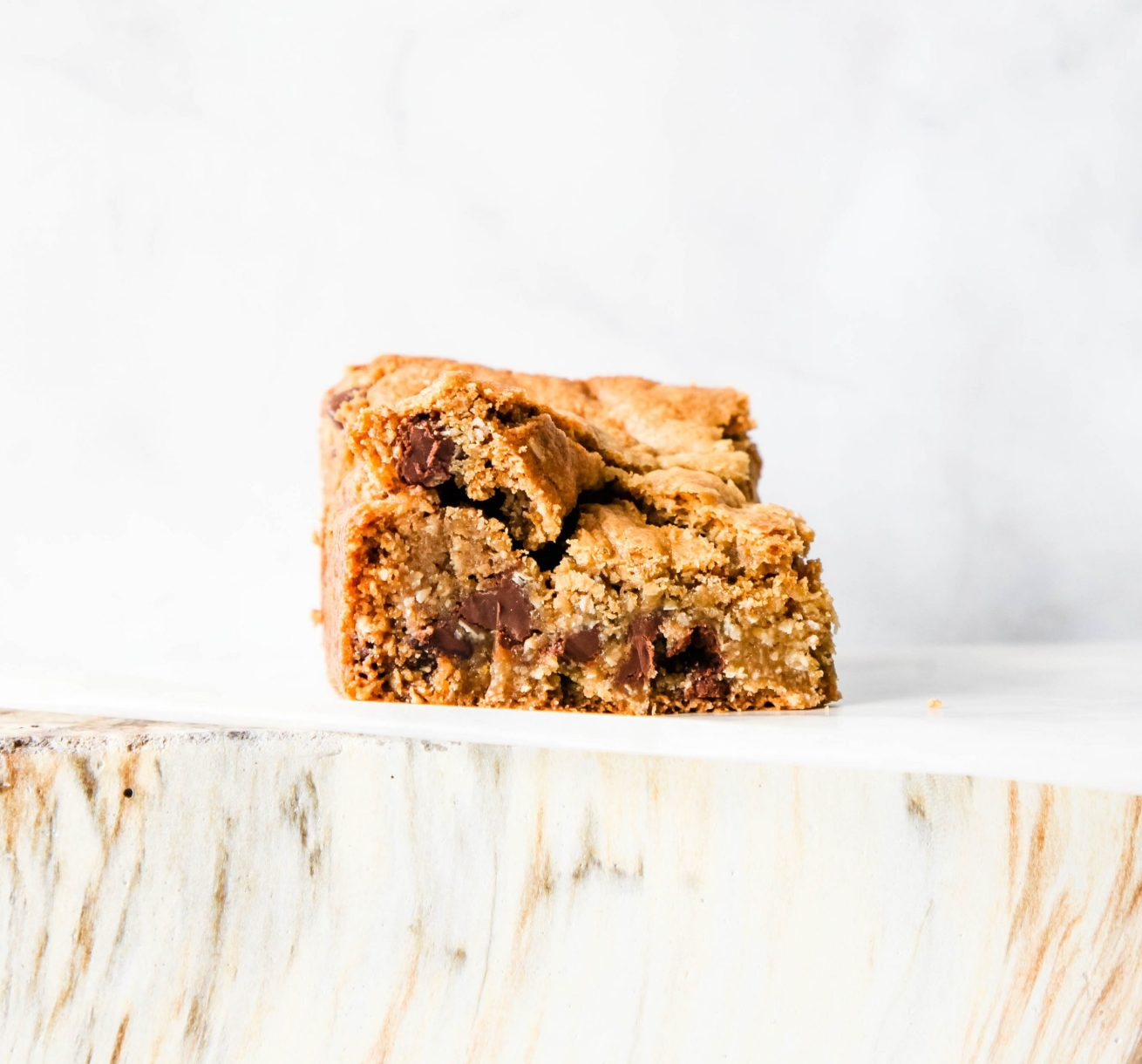Oat and Almond Chocolate Bar