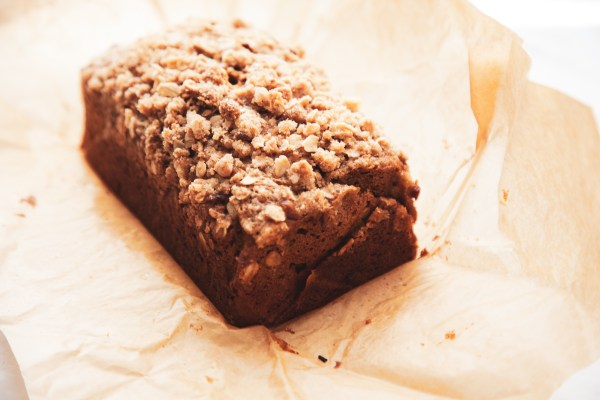 Pumpkin Bread with Brown Sugar Oatmeal Streusel