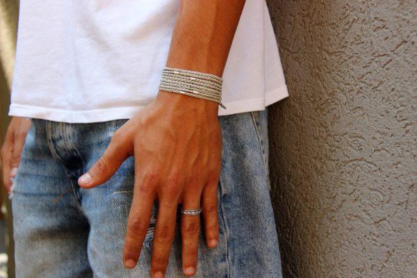 צמיד חוטים אפור טבעת 4.jpg