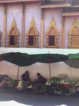 morning market outside of Pagoda