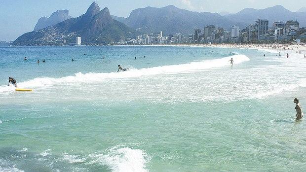 Mar do caribe no litoral carioca - Maré roxa