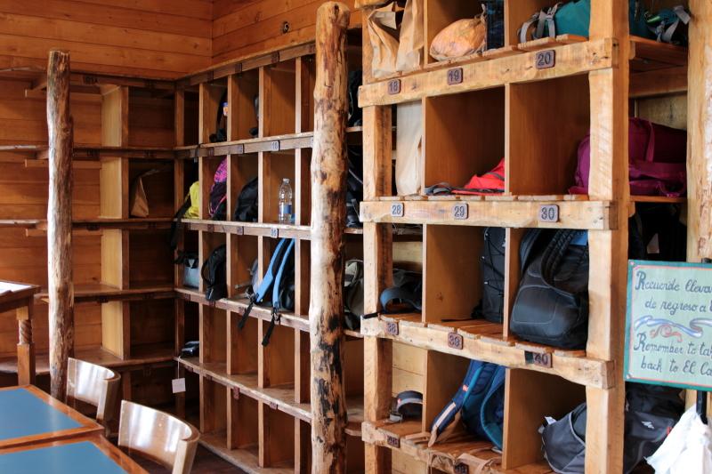 Siga na Viagem - Minitrekking sobre o Glaciar Perito Moreno - Guarda volumes do refúgio