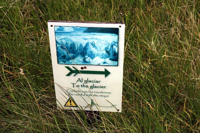 Siga na Viagem - Minitrekking sobre o Glaciar Perito Moreno - Placa de direção ao glaciar