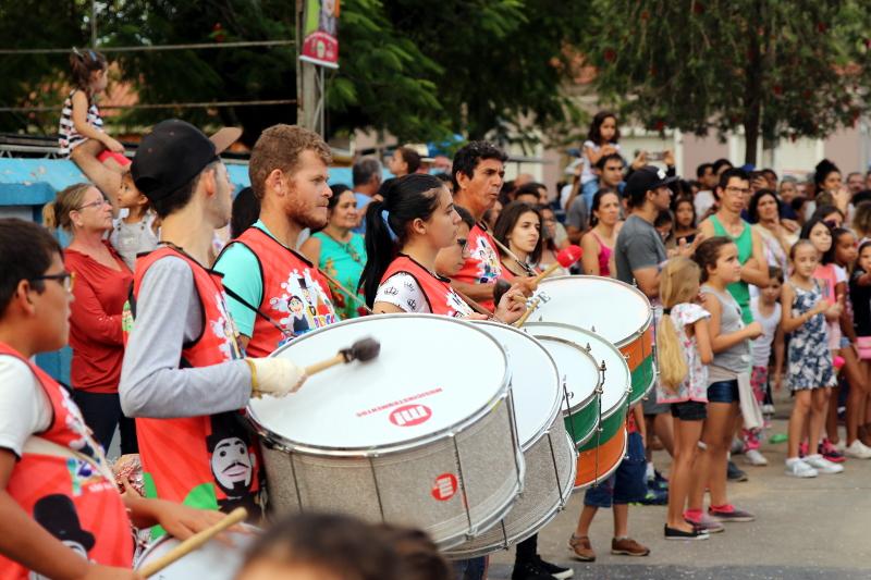 Siga na Viagem - I Encontro dos Bonecos Gigantes - Banda Marcial de São Bento