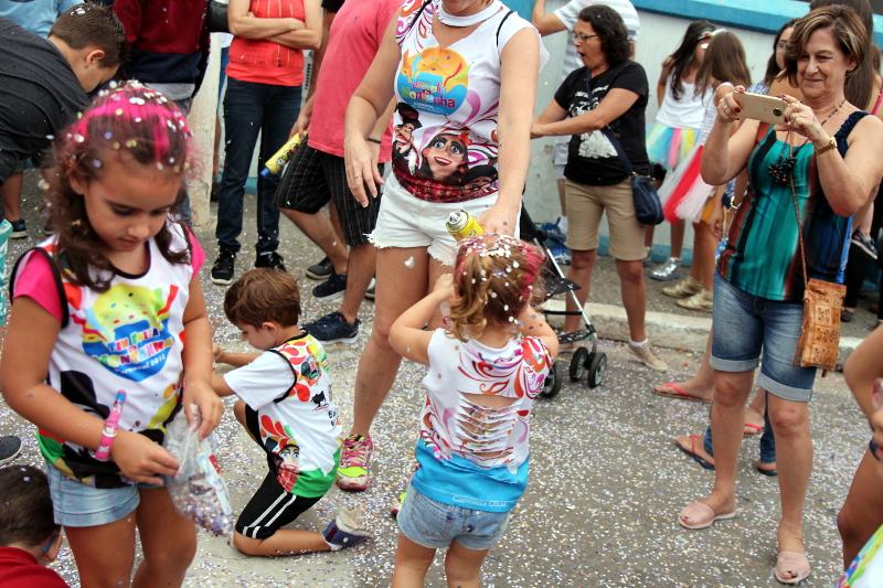 Siga na Viagem - I Encontro dos Bonecos Gigantes - Diversão entre crianças