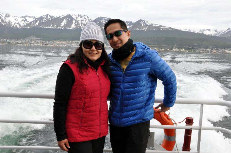 Siga na Viagem - Passeio pelo Canal de Beagle em Ushuaia - Área externa da embarcação.