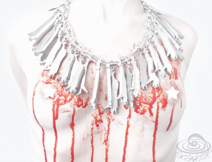 stop factory farms necklace - gefährliche last -schwein