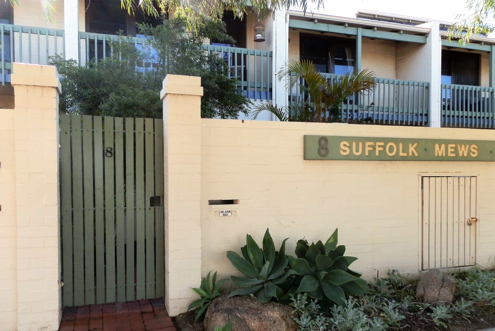 Suffolk street Villa Fremantle entry