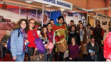 Photo of Elevi sighisoreni in excursie tematica la Targul de turism al Romaniei