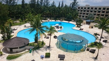 Harris Waterfront Batam - Great view of the pool from our room