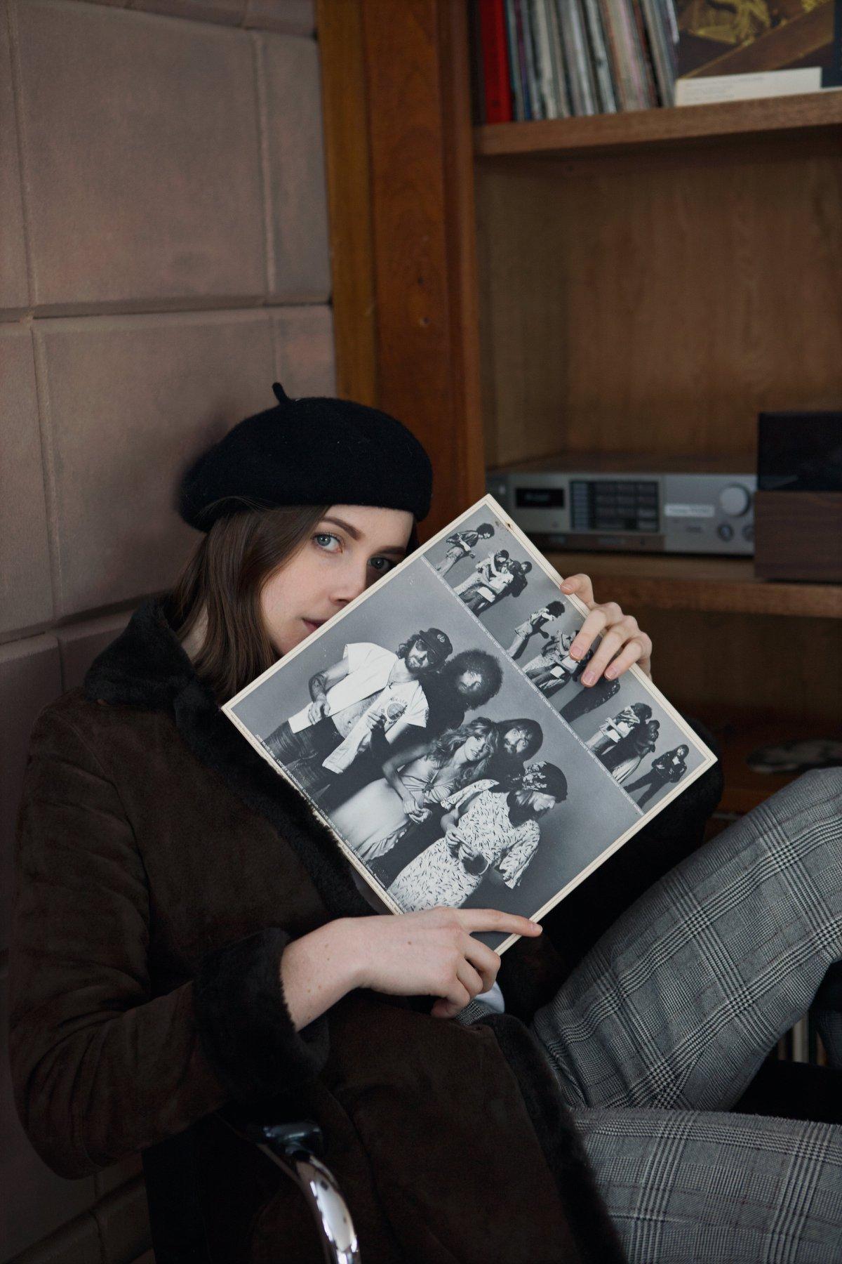 fur coat fashion portrait eppsetin house frank lloyd wright midcentury modern vinyl record