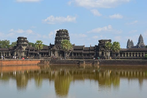 Snakes and Ladas: How NOT To Travel to Angkor Wat