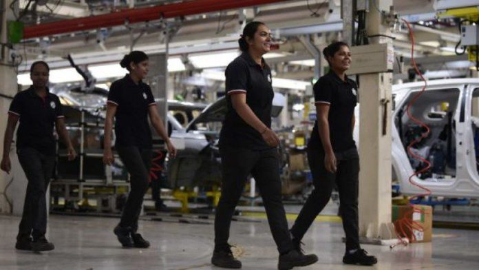 MG Motor's All-Women Crew Manufactures 50,000TH HECTOR IN Gujarat