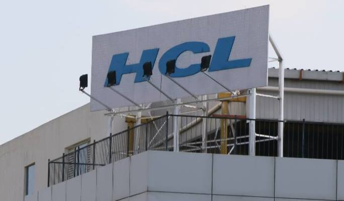 HCL Technologies plans to give Mercedes-Benz to top performers